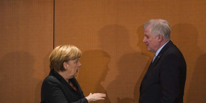 La chancelière Angela Merkel et le président du CSU (Union-chrétienne sociale en Bavière), en décembre 2013, à Berlin.