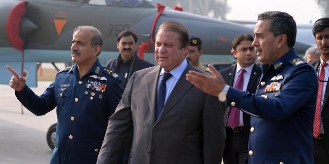 Le premier ministre pakistanais, Nawaz Sharif (au centre), le 18 décembre.