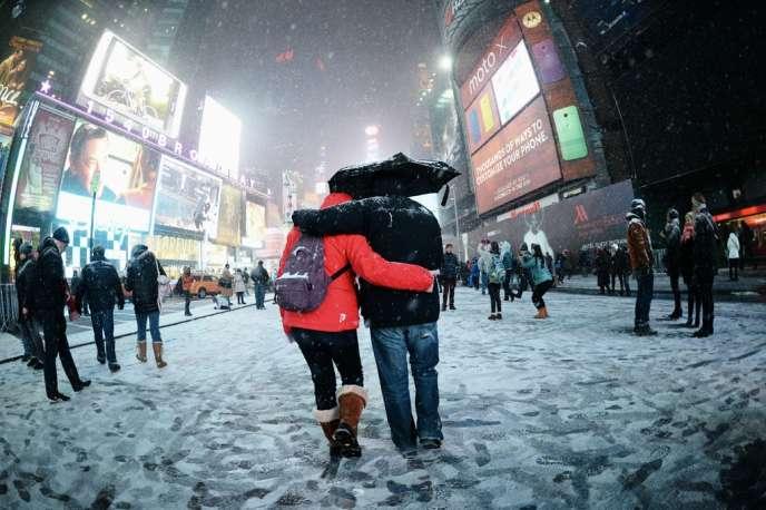 La ville de New York se préparait à affronter vendredi soir des températures de – 13 °C, – 23 °C en ressenti en raison des vents forts attendus avec la tempête.