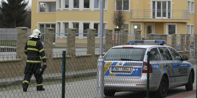 Si les autorités tchèques n'ont pas encore déterminé clairement ce qui a provoqué l'explosion de son coffre-fort, la fille de l'ambassadeur a affirmé jeudi qu'il avait a été « délibérément tué ».