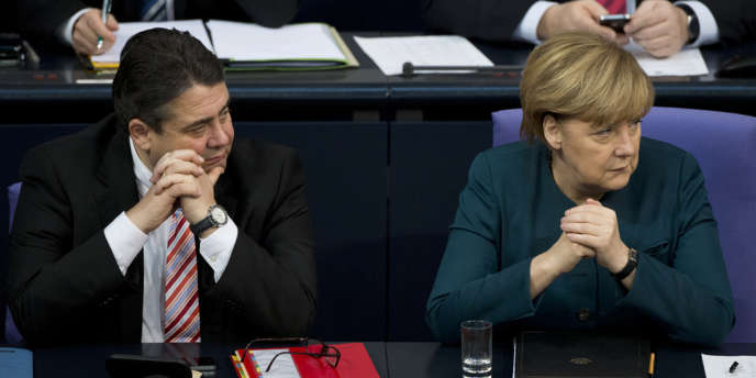 La chancelière allemande Angela Merkel et le vice-chancelier à l'économie Sigmar Gabriel, au parlement de Berlin en décembre.