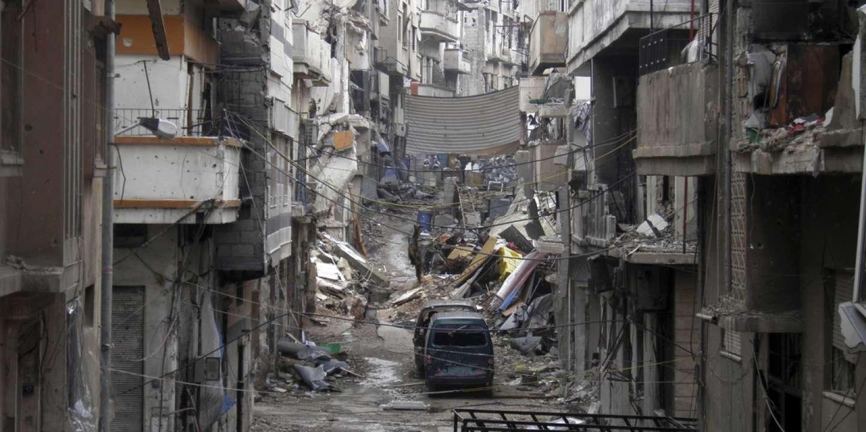le r u00e9gime syrien autorise femmes et enfants  u00e0 quitter le centre de homs  assi u00e9g u00e9