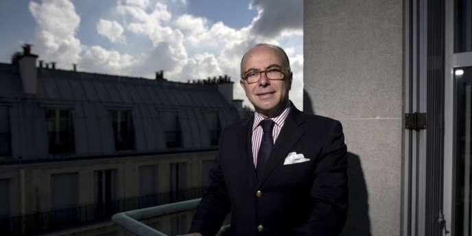 Le ministre chargé du budget Bernard Cazeneuve en octobre dans les locaux de l'AFP à Paris.