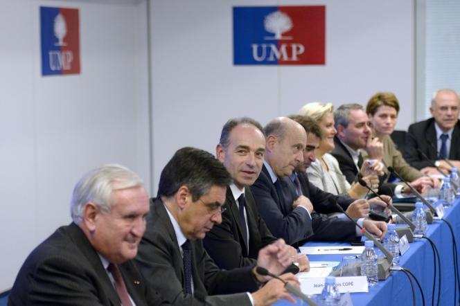 Jean-Pierre Raffarin, François Fillon, Jean-François Copé et Alain Juppé au siège de l'UMP, le 18 décembre 2013.