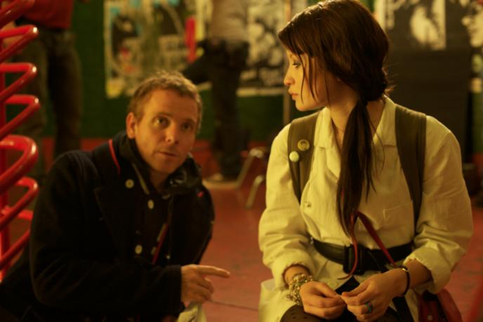Stuart Murdoch, en compagnie de l'actrice australienne Emily Browning, sur le tournage de son premier long-métrage,