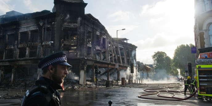 A Tottenham, le 7 août 2011, après les émeutes qui avaient suivi la mort de Mark Duggan, abattu par la police londonienne.