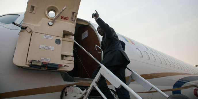 Le préŽsident Djotodia quitte la RéŽpublique Centrafricaine mercredi 8 janvierˆ bord d'un avion envoyéŽ par le prŽésident DéŽby pour le Tchad.