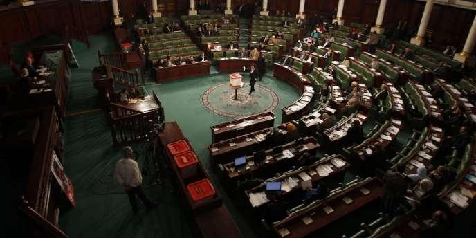 Après une journée de votes, l'Assemblée nationale constituante a élu les neuf membres de l'Instance supérieure indépendante pour les élections, qui devra fixer les dates des prochaines élections législatives et présidentielle et les organiser.