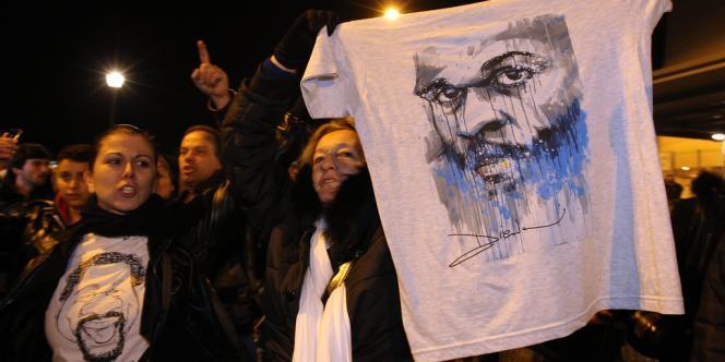 L'interdiction d'un spectacle de Dieudonné, prévu au Zénith de Nantes dans la soirée de jeudi 9 janvier, a été accueillie par des cris et des sifflets par le public de l'humoriste.