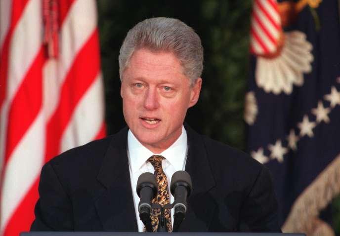 Le 11 décembre 1998, Bill Clinton avait présenté des excuses publiques après les révélations concernant sa relation avec Monica Lewinsky.