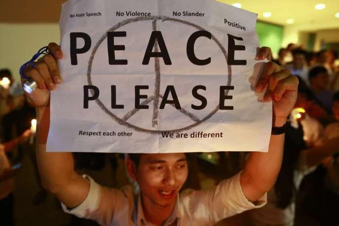 Un manifestant dans le centre de Bangkok, le 10 janvier.