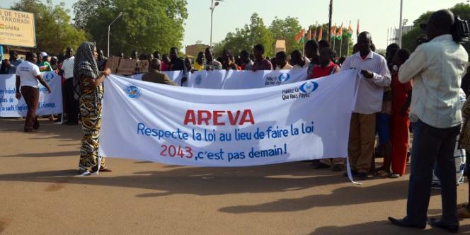 Manifestation contre Areva à Niamey, la capitale du Niger, le 21 décembre 2013.