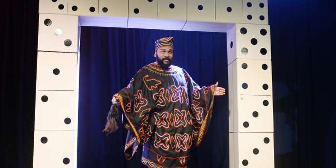 Dieudonné, lors de sa conférence de presse au Théâtre de la Main d'Or, à Paris, le 11janvier.