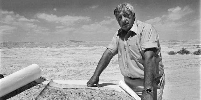 Ariel Sharon, en Cisjordanie, le 23 avril 1979.