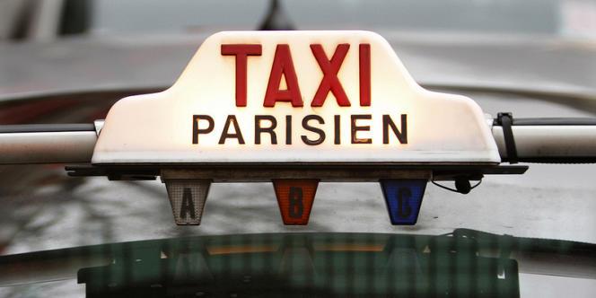 En visant les professions réglementées, Arnaud Montebourg veut s'attaquer aux « rentes de situation » et aux « monopoles ». Mais que recouvrent ces termes ? Une telle réforme est-elle possible ?