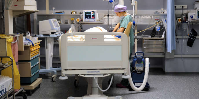 Dans une chambre d'hôpital, à Lille.