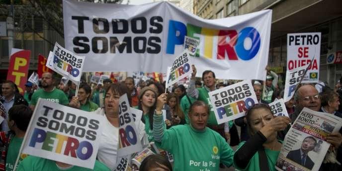 La destitution du maire de Bogota, confirmée le 13 janvier, a suscité depuis un mois de nombreuses manifestations dans la capitale colombienne.