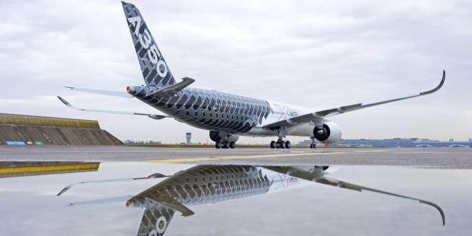 Après l'annulation par la compagnie Emirates, mercredi 11 juin,  l'A350 d'Airbus n'est désormais commandé qu'à 742 exemplaires contre 812 auparavant.
