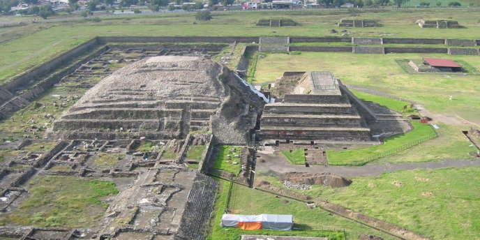 Pyramide du serpent à plume sur le site de Teotihuacan (Mexique).