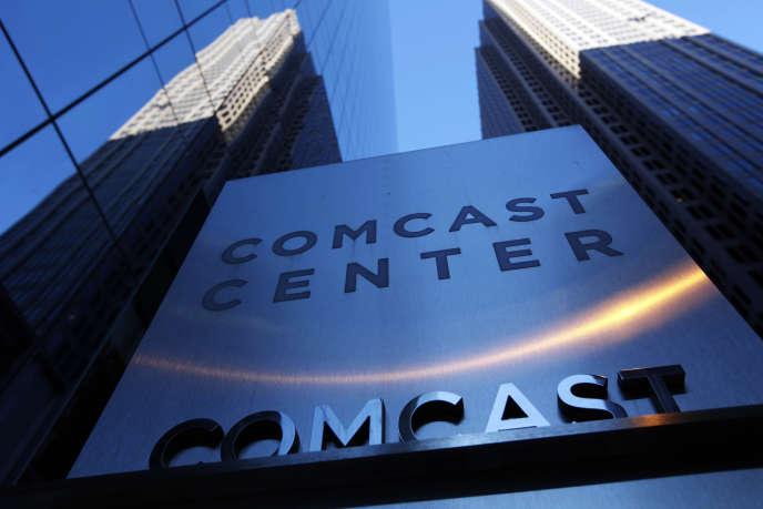 Devant le siège de Comcast à Philadelphie, en 2009.