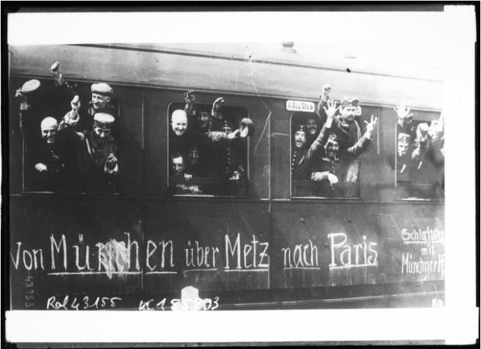 Soldats allemands quittant Munich en 1914.