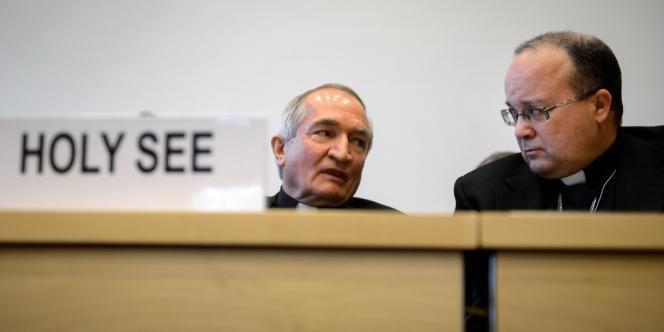 Mgr Silvano Tomasi (à gauche) et Charles Scicluna, ancien procureur au Vatican, lors de leur audition à l'ONU, le 16 janvier à Genève.