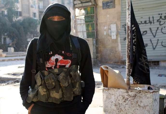 Un combattant du groupe djihadiste Front Al-Nosra, en janvier à Alep.