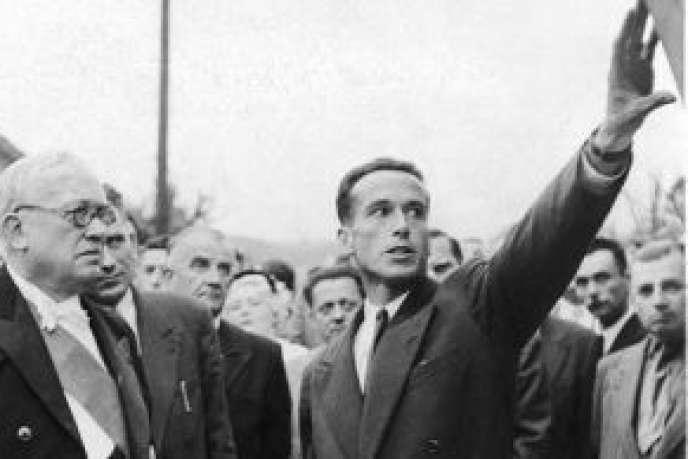 Laurent Chappis à côté du président Vincent Auriol lors de l'inauguration de la 1ère tranche du quartier du Biollay à Chambéry (1952 ou 1953, photo non datée)