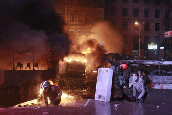 Des manifestants antigouvernementaux, le 19 janvier à Kiev.