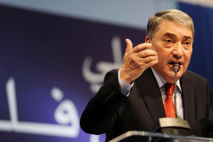 Ali Benflis, pendant sa conférence de presse à Alger, le 19 janvier 2014.