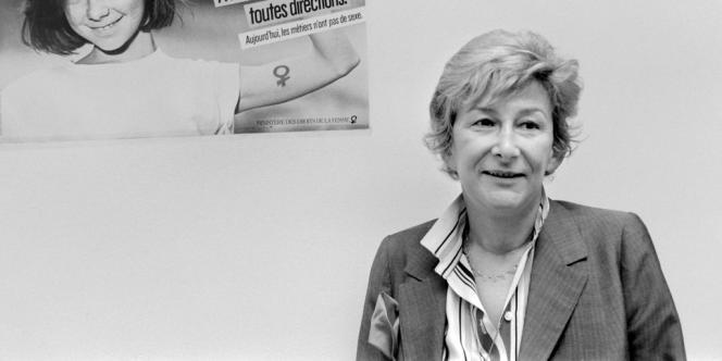Yvette Roudy, ministre délégué chargé des droits de la femme, pose, le 6 avril 1984;