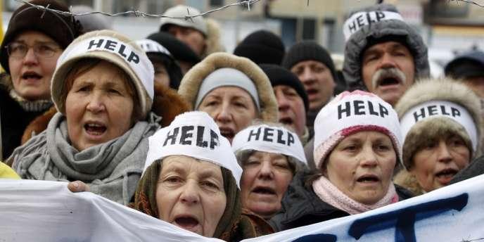 Le centre de Kiev a été transformé en champ de bataille, dimanche. Les responsables politiques craignent « des troubles massifs » dans tout le pays.