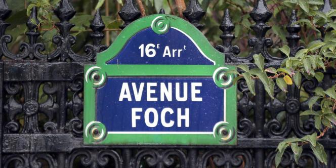 La plaque de l'avenue Foch dans le 16e arrondissement.