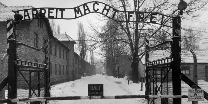 L'entrée du camp d'extermination d'Auschwitz.