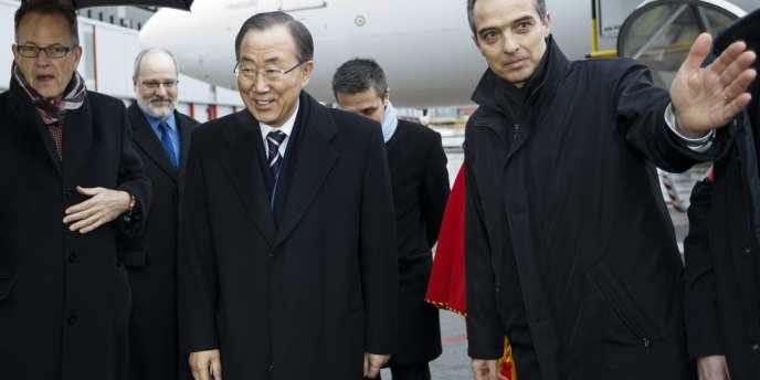 Le secrétaire général des Nations unies, Ban Ki-moon, à son arrivée, mardi 21 janvier 2014, à Genève avant de se rendre à la conférence dite