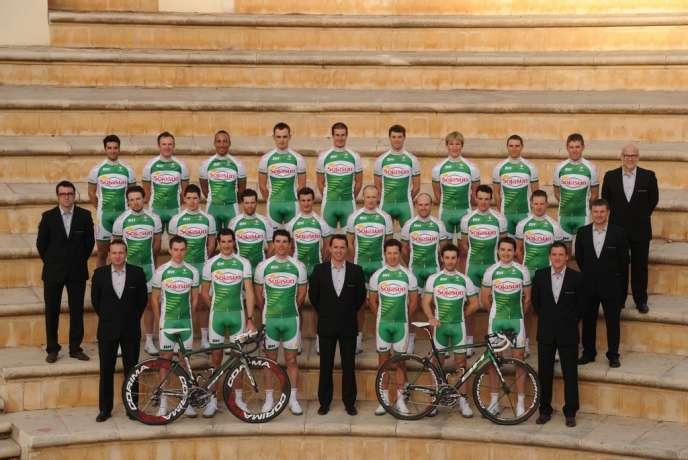 Photo de début de saison de toute l'équipe Sojasun à Benidorm en Espagne, en janvier 2013.