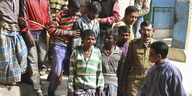 Les hommes arrêtés, le 23 janvier 2014, après le viol collectif d' une jeune femme de 20 ans, en Inde.