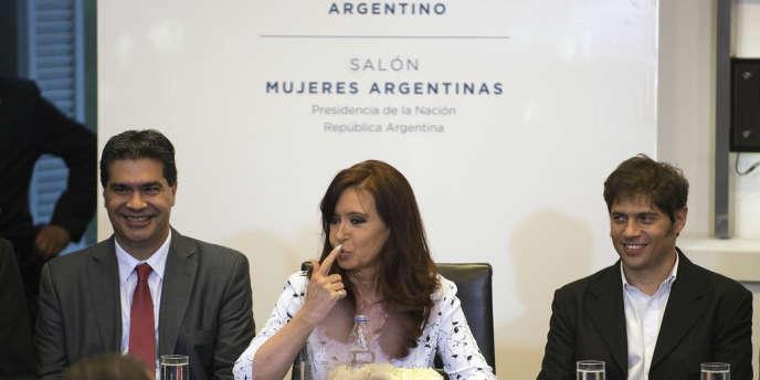 La présidente argentine, Cristina Kirchner, et le ministre de l'économie, Alex Kicillof (à droite), à Buenos Aires, mercredi 22 janvier.