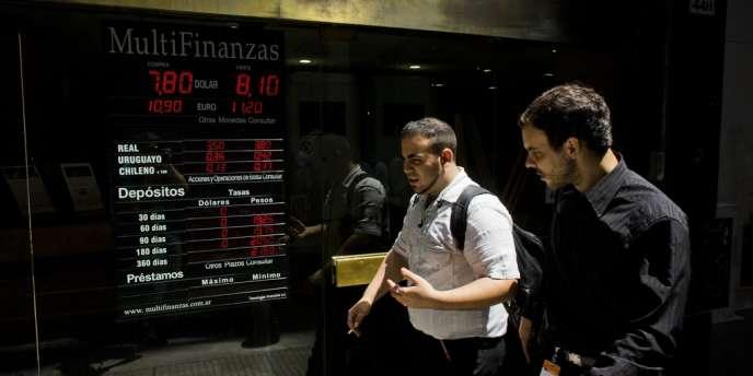 Jeudi 23 janvier et vendredi 24 janvier, le coup de froid sur le peso argentin et la livre turque a fait éternuer Wall Street et les Bourses européennes, y compris Paris, qui a glissé sous les 4 200 points.