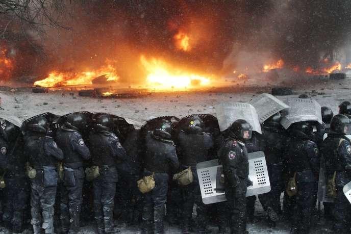 Des forces de police, le 22 janvier à Kiev.