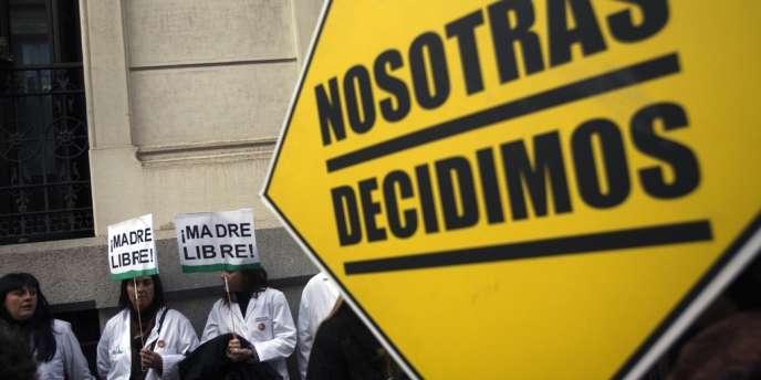 Une manifestation contre la proposition de loi contre l'avortement du gouvernement espagnol, à Madrid, le 23janvier2014.