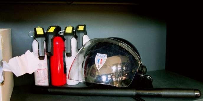 Des bombes lacrymogènes dans le commissariat de Noisy-le-Grand.