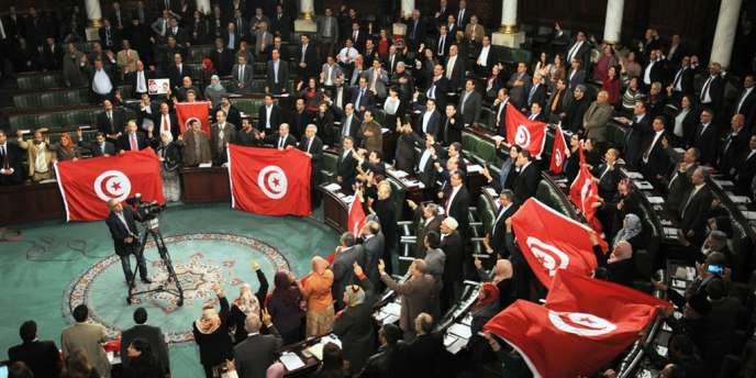A l'Assemblée nationale constituante après le vote de la Constitution le 26 janvier.