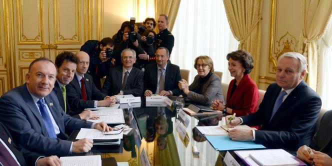 Rencontre, à Matignon, entre le gouvernement et la délégation menée par le président du Medef, Pierre Gattaz, le 27 janvier.