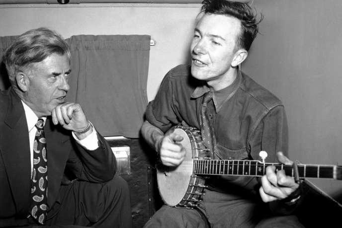 Peter Seeger au banjo en 1948.