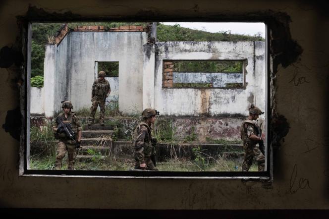 Des soldats de l'opŽération