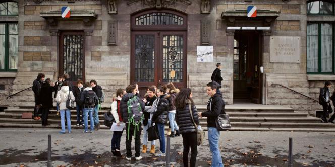 Devant le lycée du Parc, à Lyon, qui accueille plusieurs classes préparatoires.