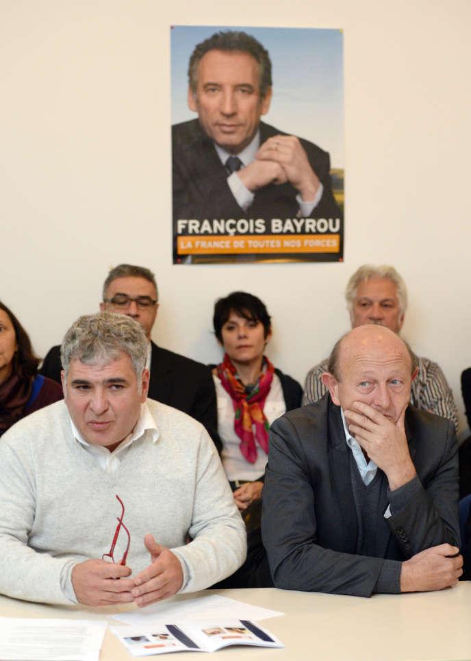 Christophe Madrolle (à gauche) et Jean-Luc Bennahmias, lors de la présentation des têtes de liste du MoDem pour les municipales à Marseille, le 18 novembre 2013.
