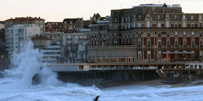 A Biarritz, le prix du mètre carré dans l'ancien atteignait 4459euros au premier trimestre2014, selon les notaires de France.