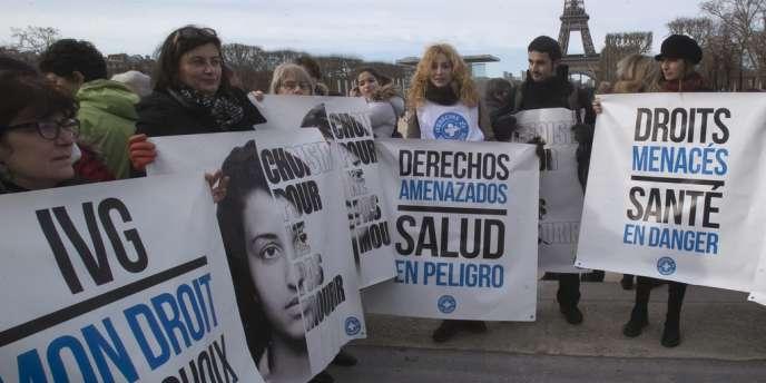 A Paris, les participants à la manifestation de soutien devaient se rendre jusqu'à l'ambassade d'Espagne.